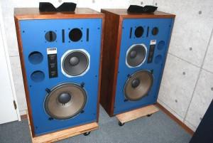 スタジオモニタースピーカー JBL4344